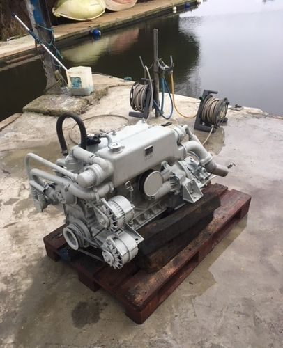 Land Rover Tempest 2.5 L Marine Diesel Engine & PRM 160 2R Gearbox (workshop tested)